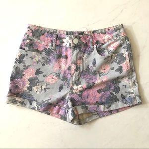 Fun flower summer shorts!